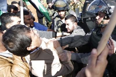 Ziad Abu Ein choked by Israeli police